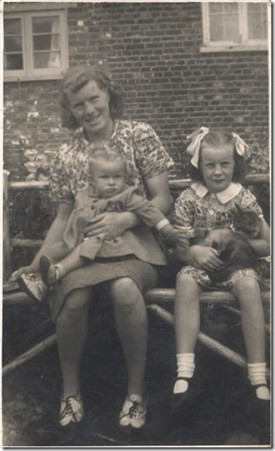 Photo:Young Linda with her mum and cousin Joan