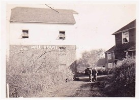 Photo:The Mill House around 1940 was a billet for the New Zealand troops