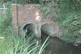 Photo:An example of 19th-century brickwork, this bridge channels the outfall water, which feeds the pump inlet and carries on to join the Great Stour.